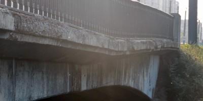 Мост Ветеранов, тротуар, просадка