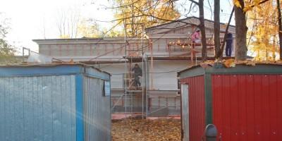 Набережная реки Крестовки, хозяйственная постройка