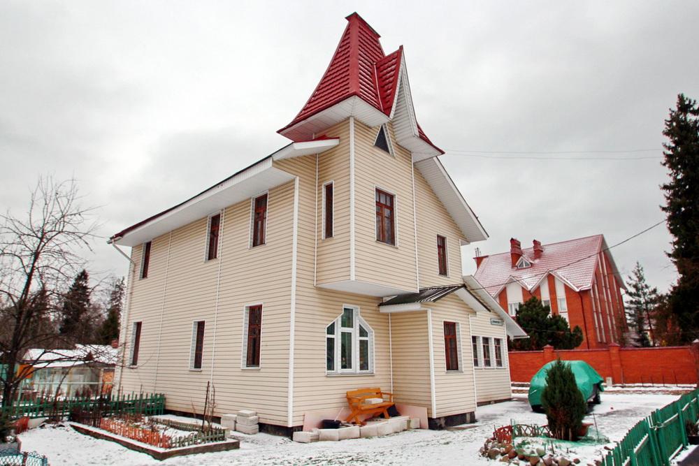 Левашово, улица Володарского, дом 15