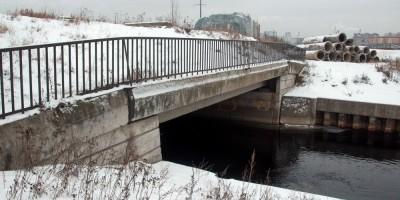 Шуваловский проспект, мост через Бобылку