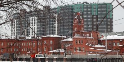 Магнитогорская улица, дом 3, корпус 2, и производственное здание с башенкой