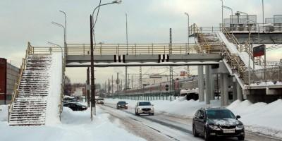 Нефтяная дорога, надземный пешеходный переход