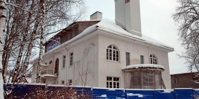 Павловск, Дом с ангелом на улице Красного Курсанта