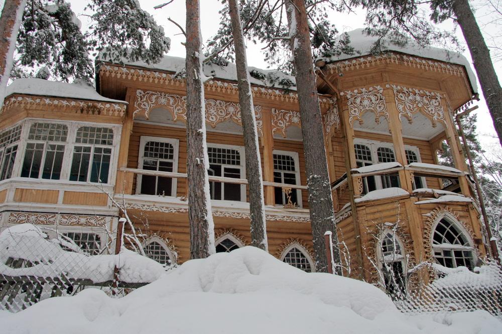 Дача Юхневича в Комарове