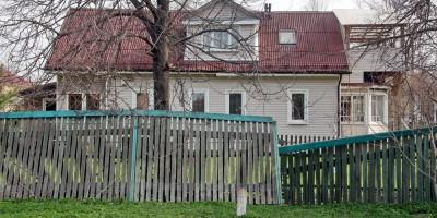 Сергиево, Волхонское шоссе, забор сломан