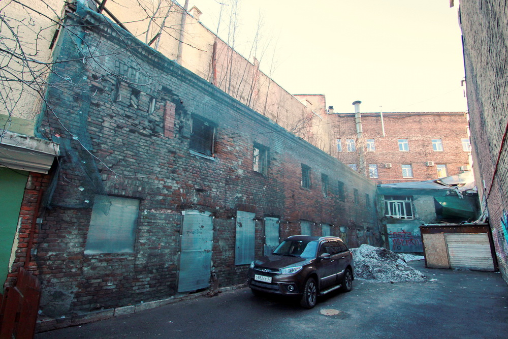 Набережная Макарова, дом 14, литера Б