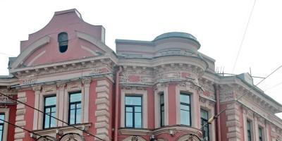 Дом Корзинина на площади Льва Толстого, место башенки на углу с Каменноостровским проспектом