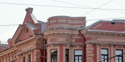 Дом Корзинина на площади Льва Толстого, место башенки на углу с улицей Льва Толстого