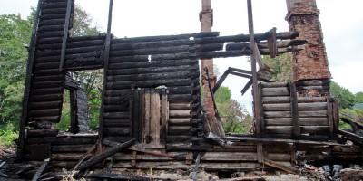 Красное Село, Фабричный Поселок, 5, после пожара, стена
