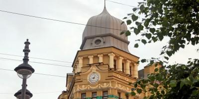 Сенная площадь, дом Перетца, башенка