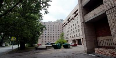 Торжковская улица, 15, общежитие, вид с Сердобольской улицы