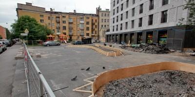 Улица Моисеенко, создание сквера