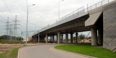 Усть-Ижорское шоссе, Металлостроевский путепровод