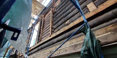 Флигель дома Гербольдта на Санкт-Петербургском проспекте, 25а, в Петергофе, ремонт, стена
