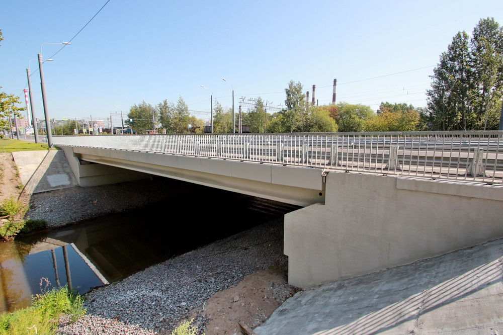 Гранитная улица, мост через Оккервиль