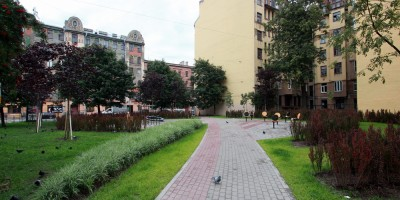 Сквер на углу 8-й Советской и Мытнинской улиц