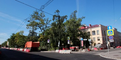 Угол улиц Моисеенко и Красного Текстильщика