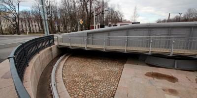 Кронштадт, Доковый мост, поворотный механизм