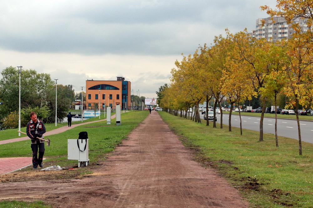 Парк Героев-Пожарных вдоль улицы Димитрова