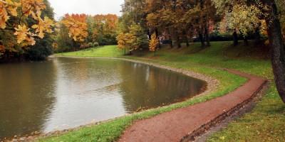 Парк усадьбы Орловых-Денисовых, дорожка