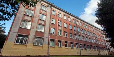 Школа 575 на 14-й линии Васильевского острова, 77