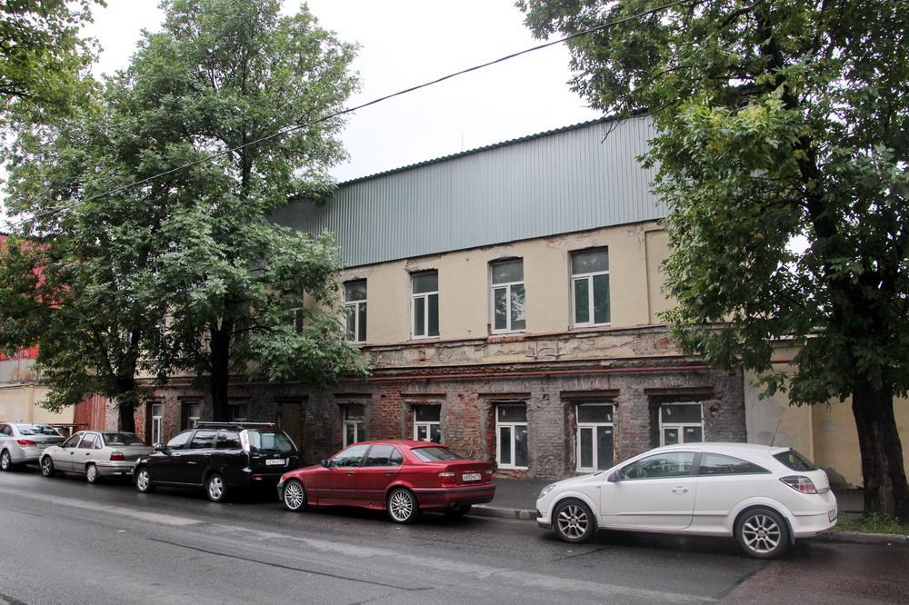 Улица Степана Разина, дом 9, литера Д, с металлической крышей