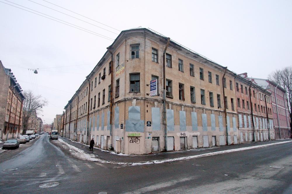 Дом Фокина на углу Мясной улицы и набережной реки Пряжки