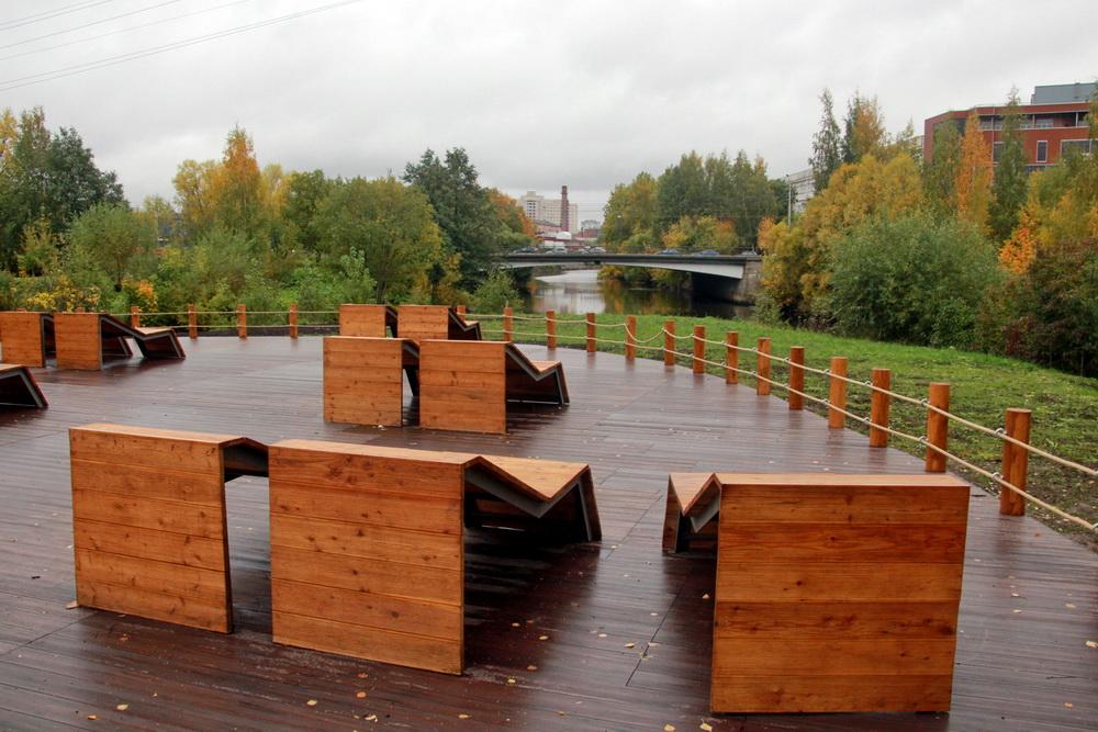 Малый Ильинский сад, лежаки