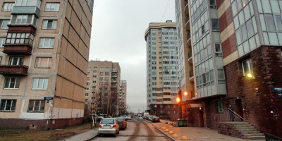 Новосаратовская улица, двор