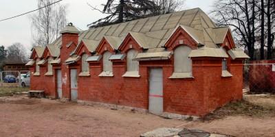 Станция Шувалово, служебный корпус