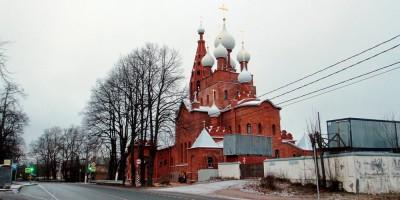 Церковь Серафима Саровского в Петергофе, Ораниенбаумское шоссе