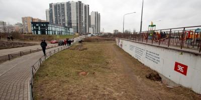Русановка, русло ручья и паркинг