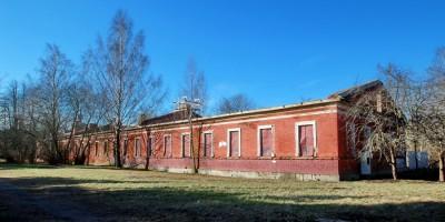 Петергоф, казарма Конногренадерского полка на Конно-Гренадерской улице, 13