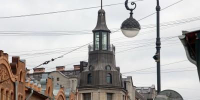 Башенка дома Берштейна на углу улицы Профессора Попова и Каменноостровского проспекта
