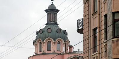 Башенка дома Чубаковых на углу Большого и Каменноостровского проспектов