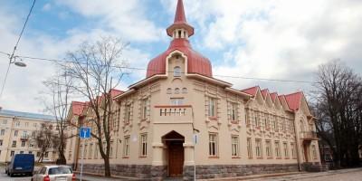 Кронштадт, Пролетарская улица, дом 30, дом с башней