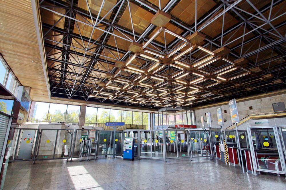 Станция метро Политехническая, интерьер