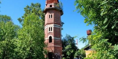 Водонапорная башня на Межозерной улице, 14, корпус 2, в Осиновой Роще в Парголове