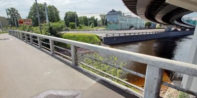 Шлиссельбургский мост, ограждение