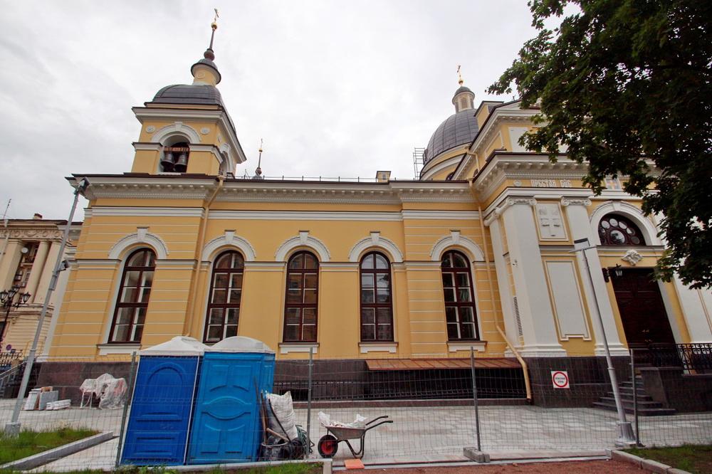 6-я Советская улица, 19, Рождественская церковь, боковой фасад