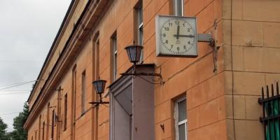 Лесной проспект, 64, литера Б, корпус на Кантемировской улице, часы