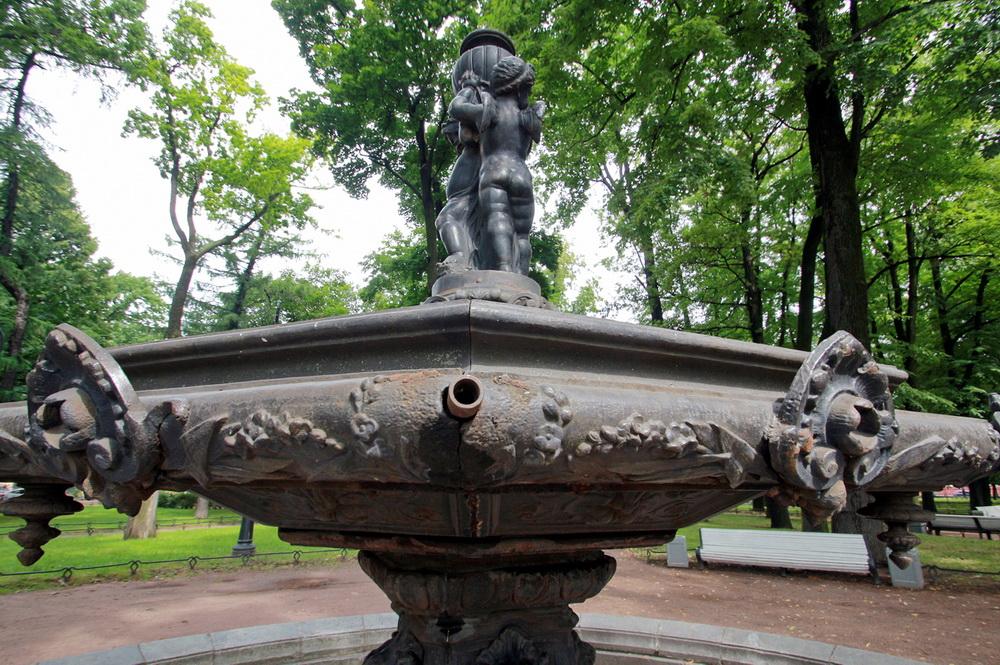 Румянцевский сад, фонтан после вандализма