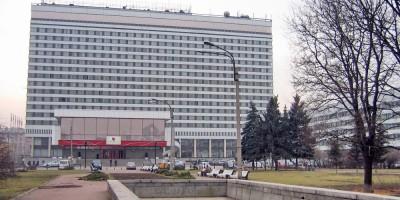 Фонтан гостиницы Советская на углу Лермонтовского проспекта и набережной реки Фонтанки