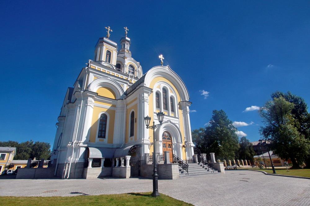Свято-Троицкая церковь киновии Александро-Невской лавры