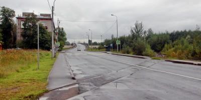 Челябинская улица, переезд у дома 55