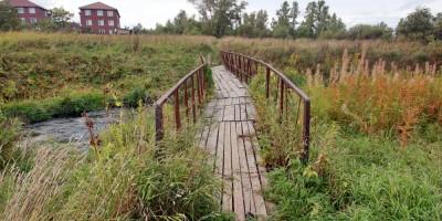 Горелово, пешеходный мост через Дудергофку