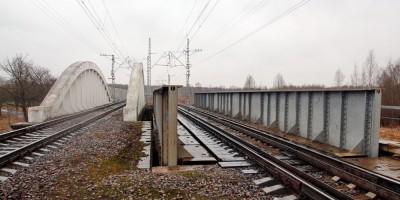 Тярлево, железобетонный железнодорожный путепровод, два моста