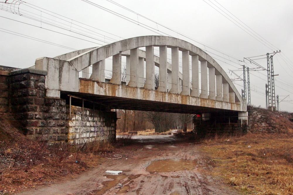 Тярлево, железобетонный железнодорожный путепровод