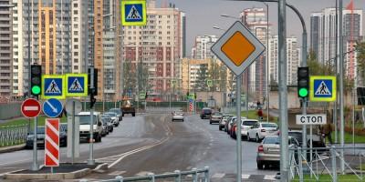 Среднерогатская улица, изгибы