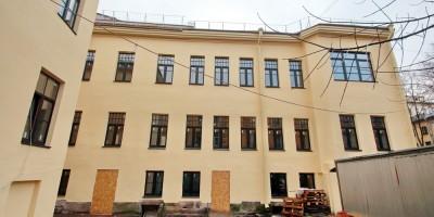 Дом Соловейчика на улице Репина после ремонта, двор